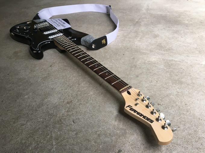 Kurt Cobain Vandalism Strat Guitar Nirvana Live at the Paramount Fender Stratocaster Heavy Relic Road Worn Seymour Duncan TB-4 khristore angers luthier